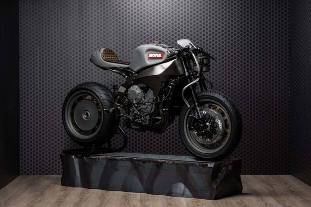 Motul-Onirika-2853-Concept-02