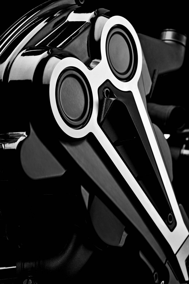 Ducati-XDiavel-S-San-Diego-studio-action-43