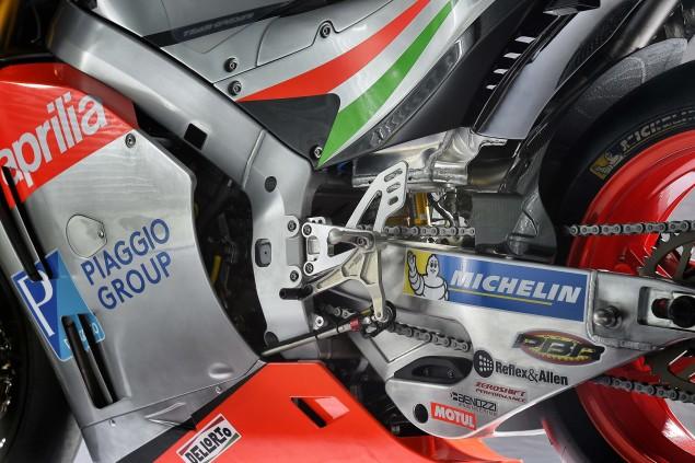 2016-Aprilia-RS-GP-MotoGP-13