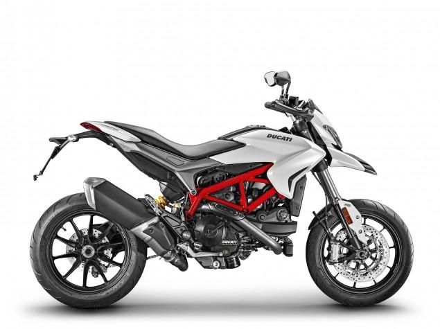 2016-Ducati-Hypermotard-939-22