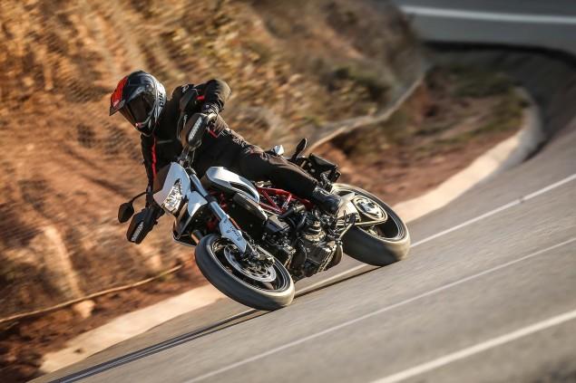 2016-Ducati-Hypermotard-939-30