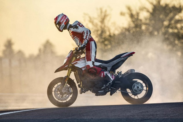 2016-Ducati-Hypermotard-939-SP-48