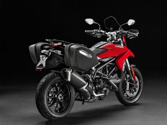 2016-Ducati-Hyperstrada-939-12