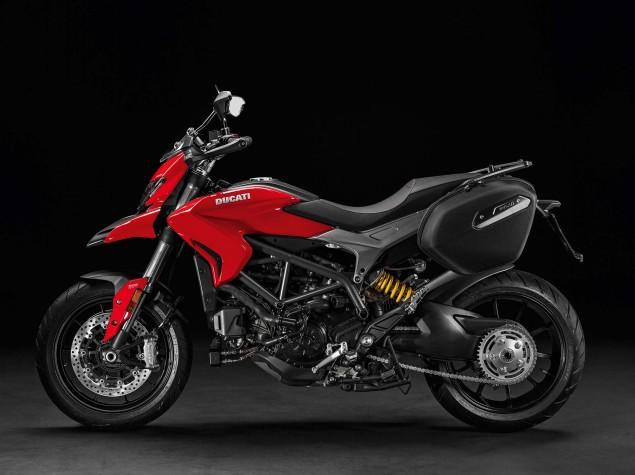 2016-Ducati-Hyperstrada-939-13