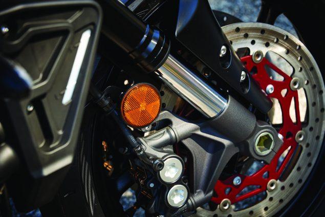 2017-Yamaha-FZ-10-USA-10