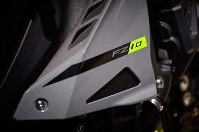 2017-Yamaha-FZ-10-USA-36