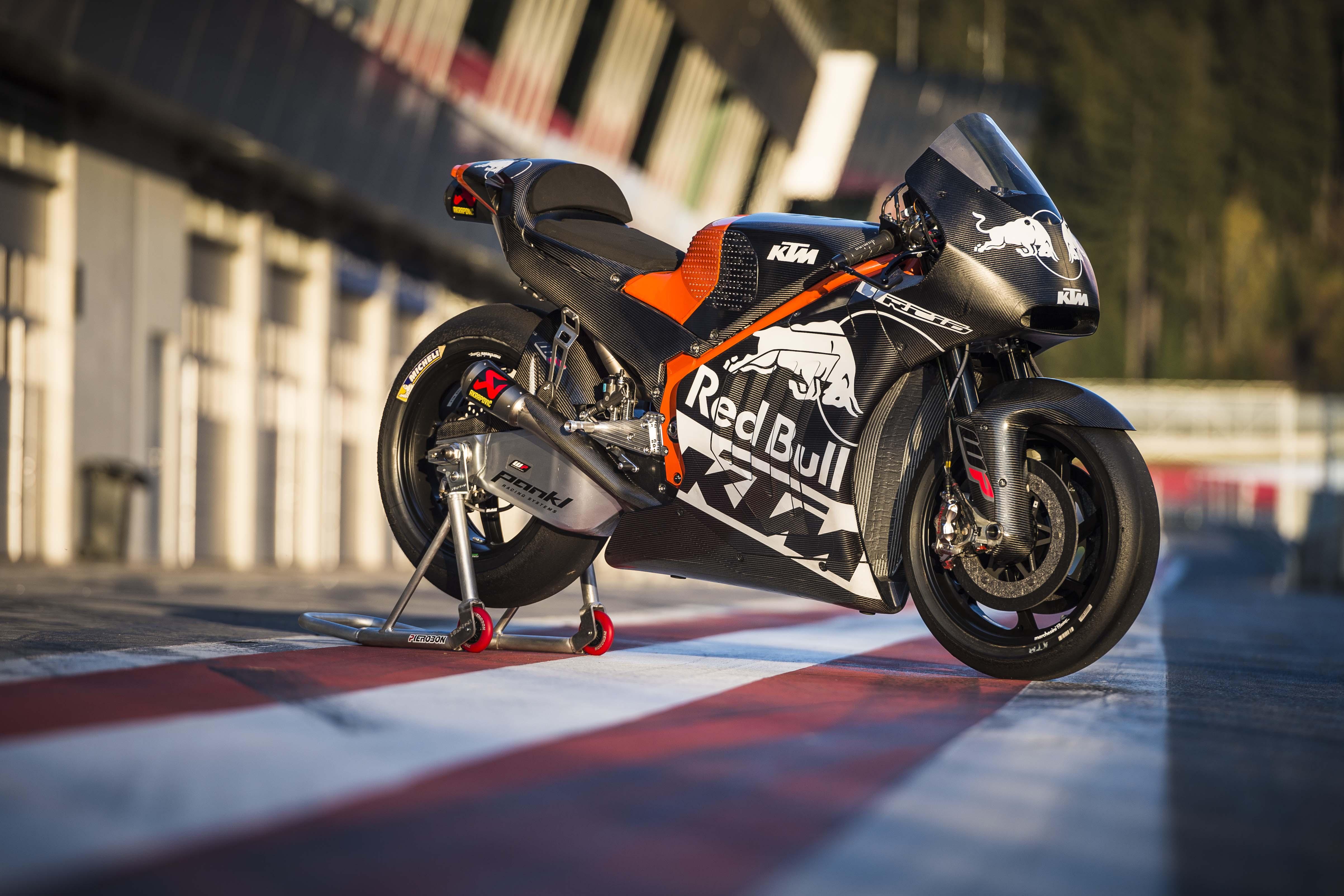 2017 KTM RC16 Officially Debuts - Asphalt & Rubber