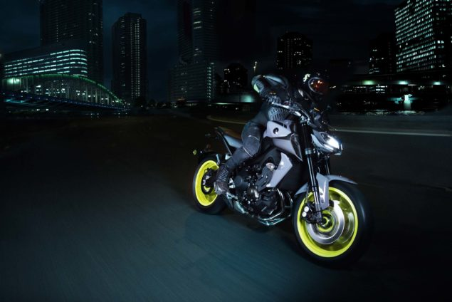 2017-yamaha-mt-09-europe-action-01