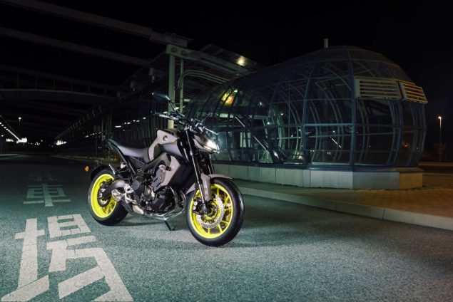 2017-yamaha-mt-09-europe-static-02