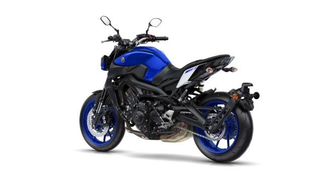 2017-yamaha-mt-09-europe-static-21