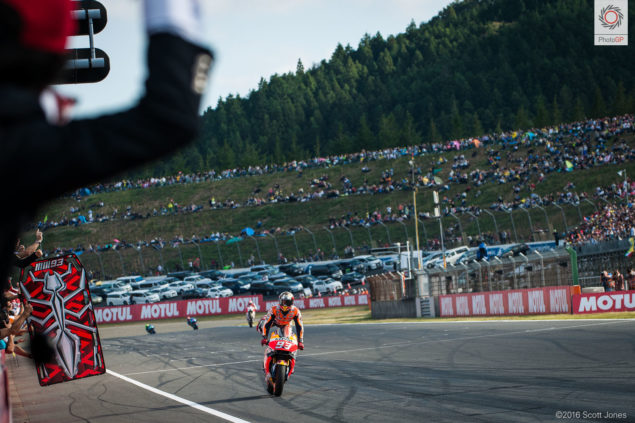 twin-ring-motegi-2016-marc-marquez-victory