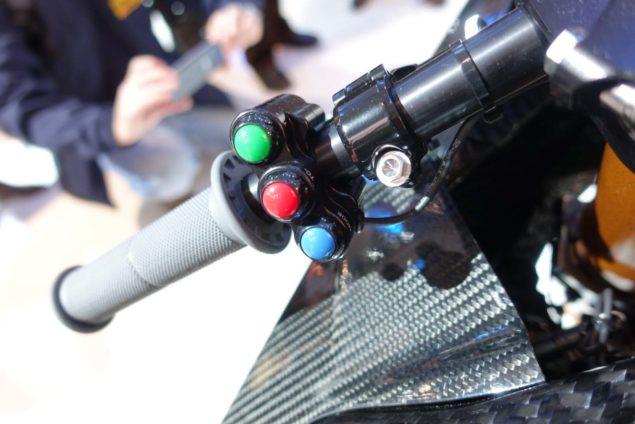 2017-bmw-hp4-race-motofire-12