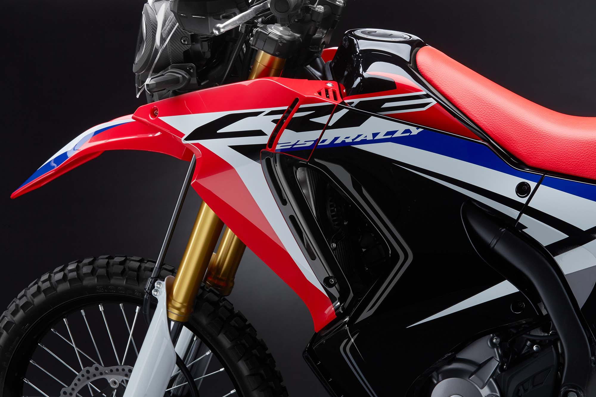 honda crf250l rally finally debuts. Black Bedroom Furniture Sets. Home Design Ideas