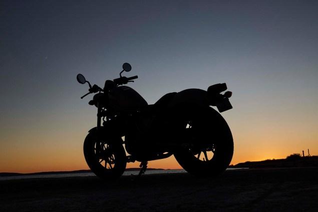 2017-honda-rebel-500-300-lifestyle-17