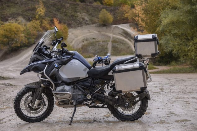 bmw-r1200gs-lego-technic-outdoor-04