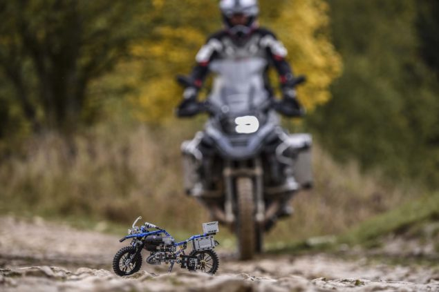 bmw-r1200gs-lego-technic-outdoor-07