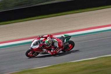 Ducati-1299-Panigale-R-Final-Edition-04