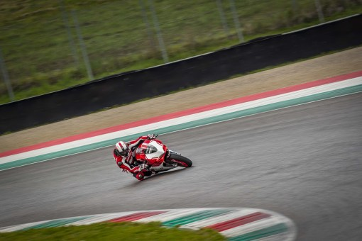 Ducati-1299-Panigale-R-Final-Edition-06