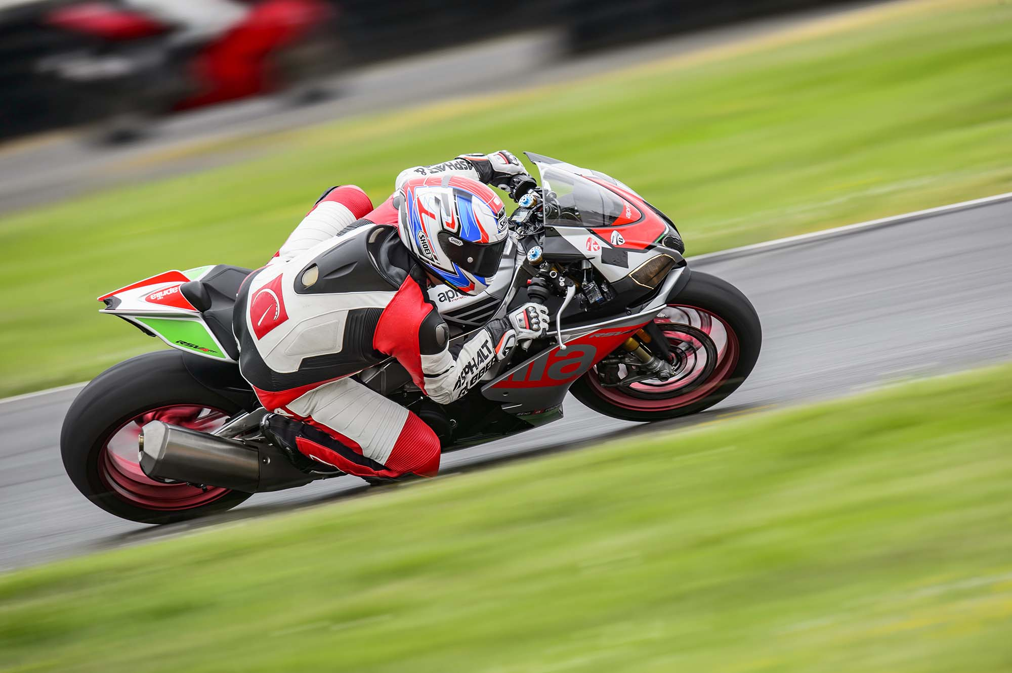 Superbike Deathmatch Round 1 Aprilia Vs Ducati Asphalt Rubber Wiring Diagram Turning Our Attention To The Throttle Connection For Two Bikes We Again Found Some Disparity Between And
