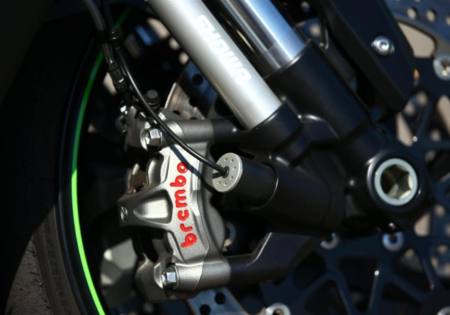kawasaki ninja zx 10r se debuts with track goodies asphalt   rubber Showa SFF Forks Showa SFF Forks