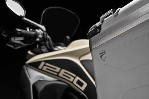 2019-Ducati-Multistrada-1260-Enduro-39