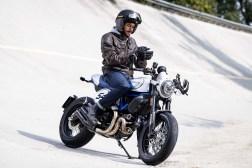 2019-Ducati-Scrambler-Cafe-Racer-02