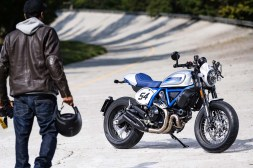 2019-Ducati-Scrambler-Cafe-Racer-05