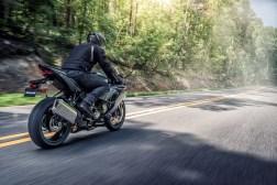 2019-Kawasaki-Ninja-ZX-6R-02