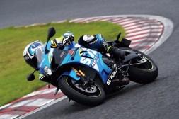2019-Suzuki-GSX-R-1000-action-06