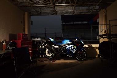 2019-Suzuki-GSX-R-1000-action-12