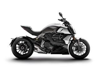 2019-Ducati-Diavel-1260-01