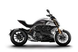 2019-Ducati-Diavel-1260-S-13