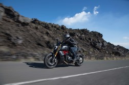 2019-Ducati-Diavel-1260-S-30