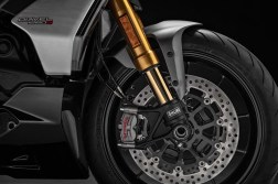 2019-Ducati-Diavel-1260-S-60
