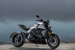 2019-Ducati-Diavel-1260-S-67