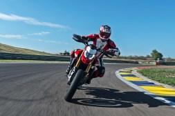 2019-Ducati-Hypermotard-950-SP-05