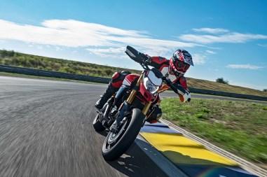 2019-Ducati-Hypermotard-950-SP-09