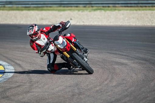 2019-Ducati-Hypermotard-950-SP-19