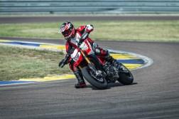 2019-Ducati-Hypermotard-950-SP-39