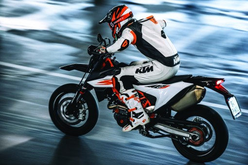 the ktm 690 smc r is back for 2019 because you need more. Black Bedroom Furniture Sets. Home Design Ideas