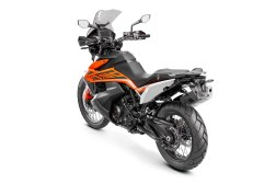 2019-KTM-790-Adventure-17
