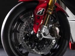 2019-Yamaha-YZF-R1-GYTR-08