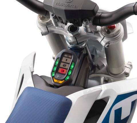 2020-Husqvarna-EE-5-electric-dirt-bike-02