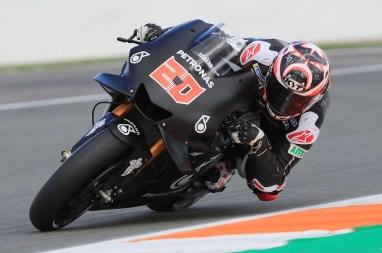 Petronas-Yamaha-Sepang-MotoGP-Valencia-Test-25