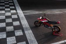 2019-Ducati-Hypermotard-950-SP-press-launch-static-01