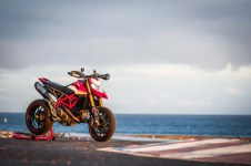 2019-Ducati-Hypermotard-950-SP-press-launch-static-07