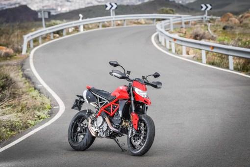 2019-Ducati-Hypermotard-950-press-launch-static-02
