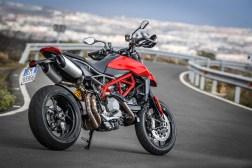 2019-Ducati-Hypermotard-950-press-launch-static-04