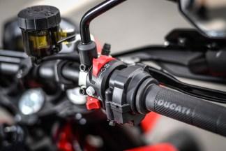 2019-Ducati-Hypermotard-950-press-launch-static-20