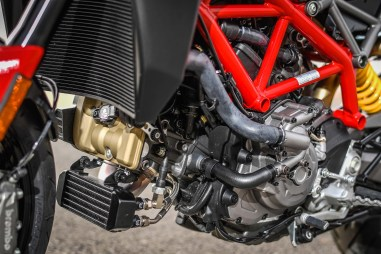 2019-Ducati-Hypermotard-950-press-launch-static-37